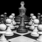 Cómo detener el pensamiento en blanco y negro (razonamiento dicotómico)